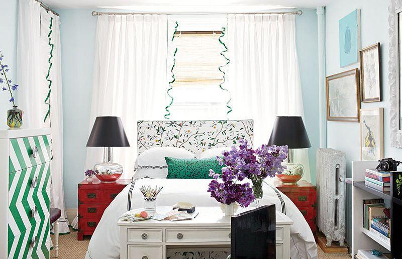 Как обустроить небольшую спальню?
