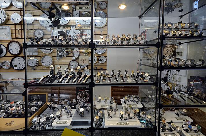 Бизнес идея: как открыть магазин часов