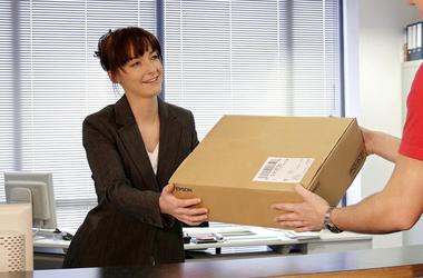 Сколько стоит отправить посылку? Обзор перевозчиков.