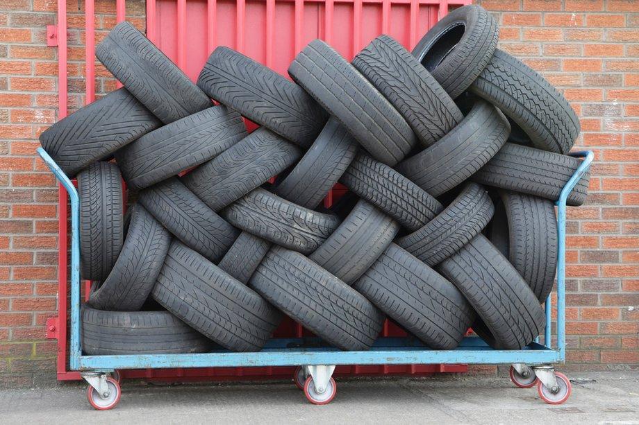 Подержанные шины: стоит ли покупать?