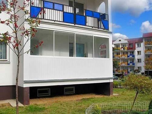 Особенности пристройки балкона в квартирах на первом этаже